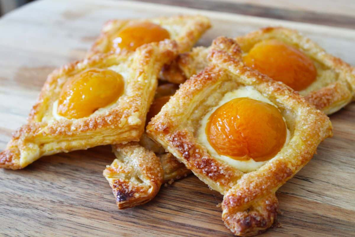 Apricot And Cream Cheese Pastry It S Not Complicated Recipes