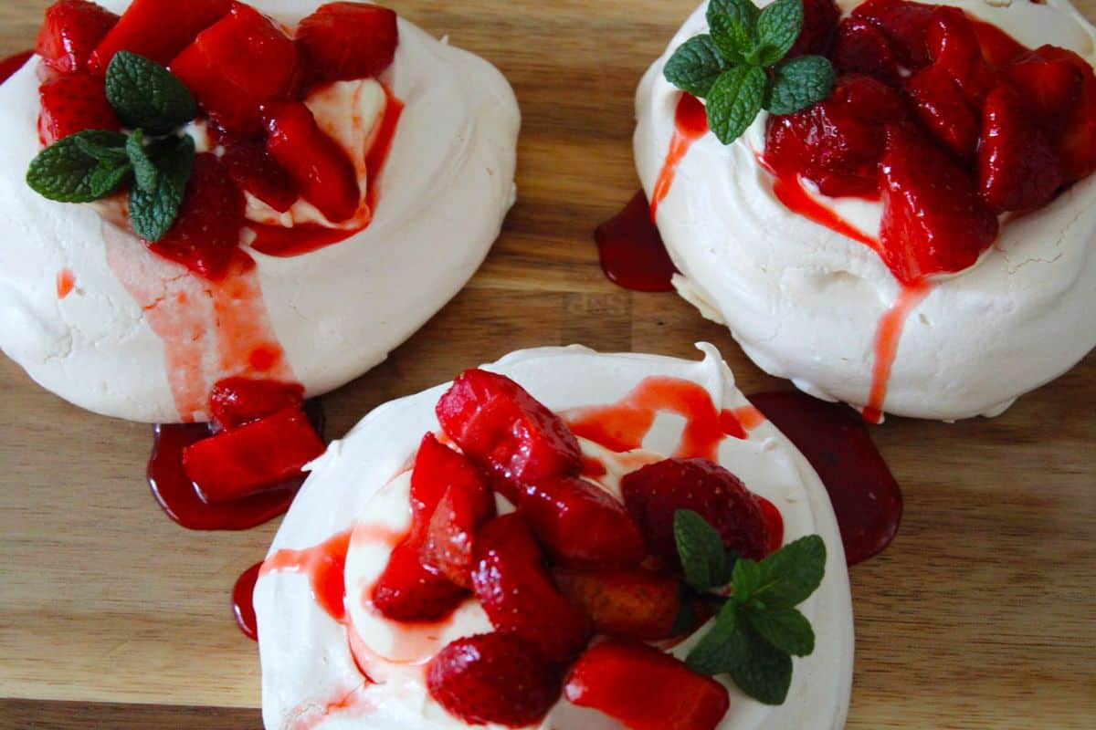 Individual Strawberry Meringues. A recipe by It's Not Complicated Recipes.