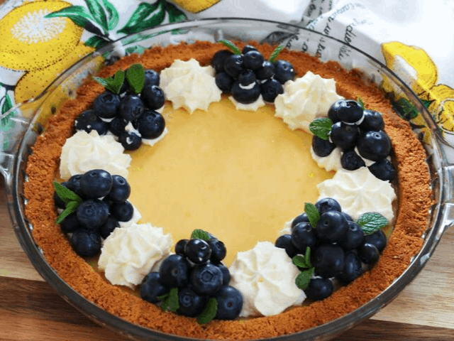 Creamy Lemon Pie. A recipe by It's Not Complicated Recipes.